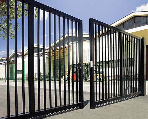 swing gates1